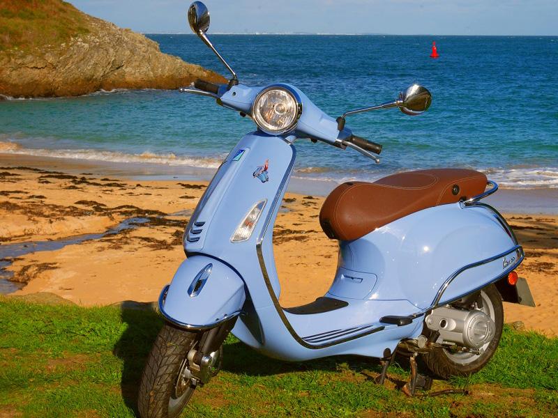 Scooters - Vespa Bleu Driv'in Belle-Île