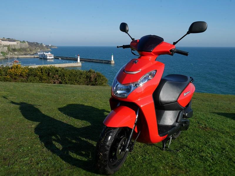 Peugeot Kisbee 50 cc rouge