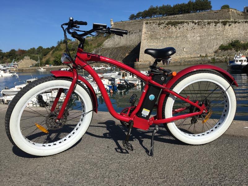 Vélo Mister Fitch rouge et blanc à vendre