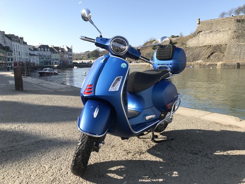 Scooter Vespa GTS 125cc bleu
