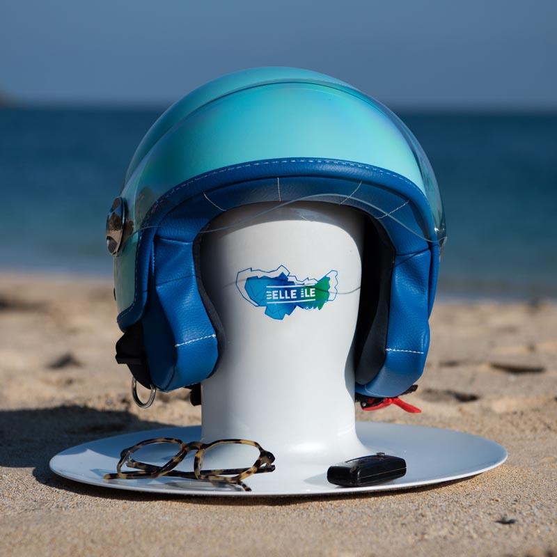 Support casque de moto bleu de la marque Woodjee